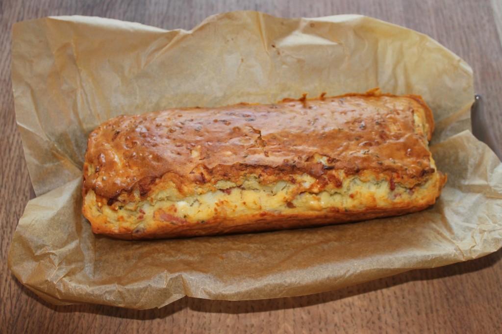 Cake aux oignons, lardons et chèvre dans Viandes, légumes ou Poissons, de quoi en faire un plat img_6349
