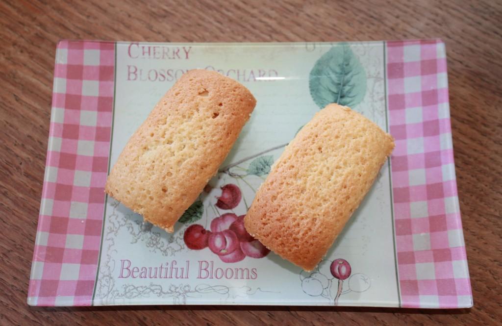 Petits cakes aux amandes dans C'est l'heure du goûter ! img_6363