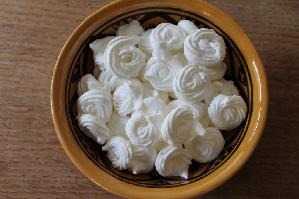 Petites meringues dans Petites Gourmandises img_6656